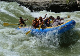 whitewater rafting the snake river wy