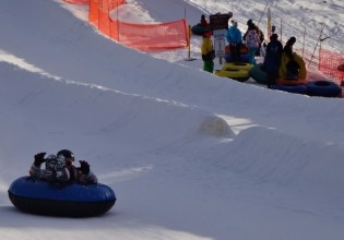 king tubes snow tubing snow king mountain jackson hole wy